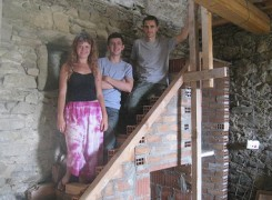 alice, niall, joe stair team italy 2011